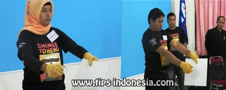 Pelatihan firewalking solo, www.tips-indonesia.com, 085855494440